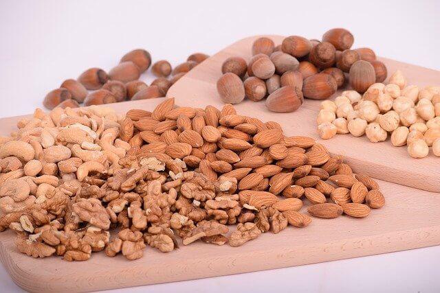 Pähkinät sisältävät proteiinia